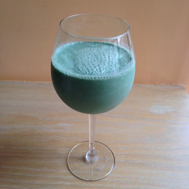 Smoothie of the day: peppermint tea, coconut milk, almond milk, bananas, spinach, spirulina. #raw #vegan
