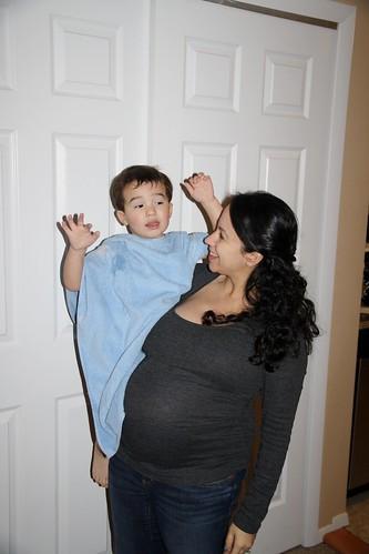 8 Months Pregnant 2014