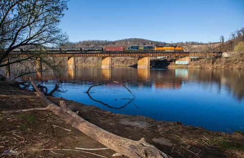 railroad bridge river unitedstates pennsylvania trains fillflash csx mckeesport csxt csxpittsburghsub csxk055
