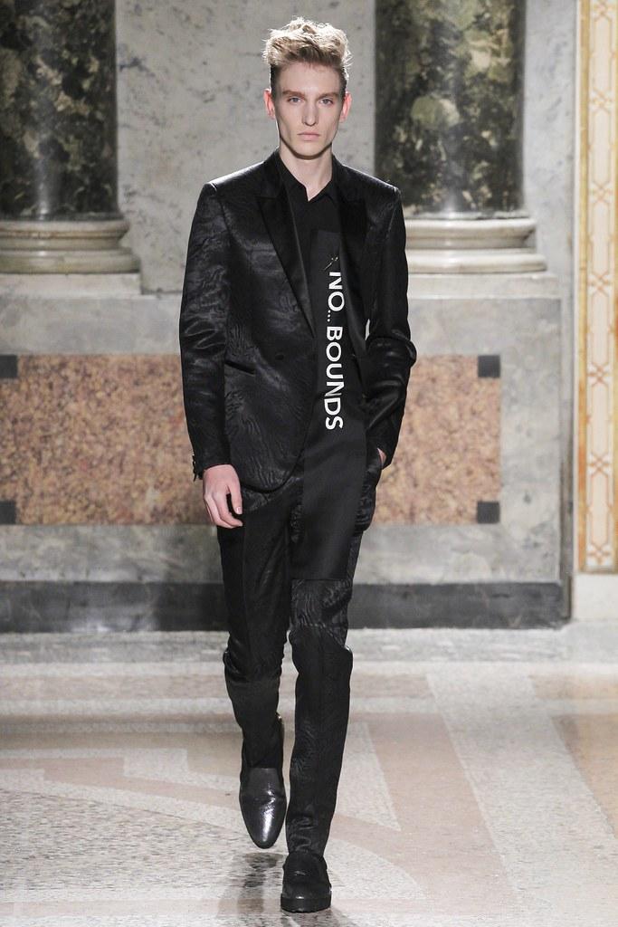 Jeroen Smits3194_FW15 Milan Roberto Cavalli(VOGUE)