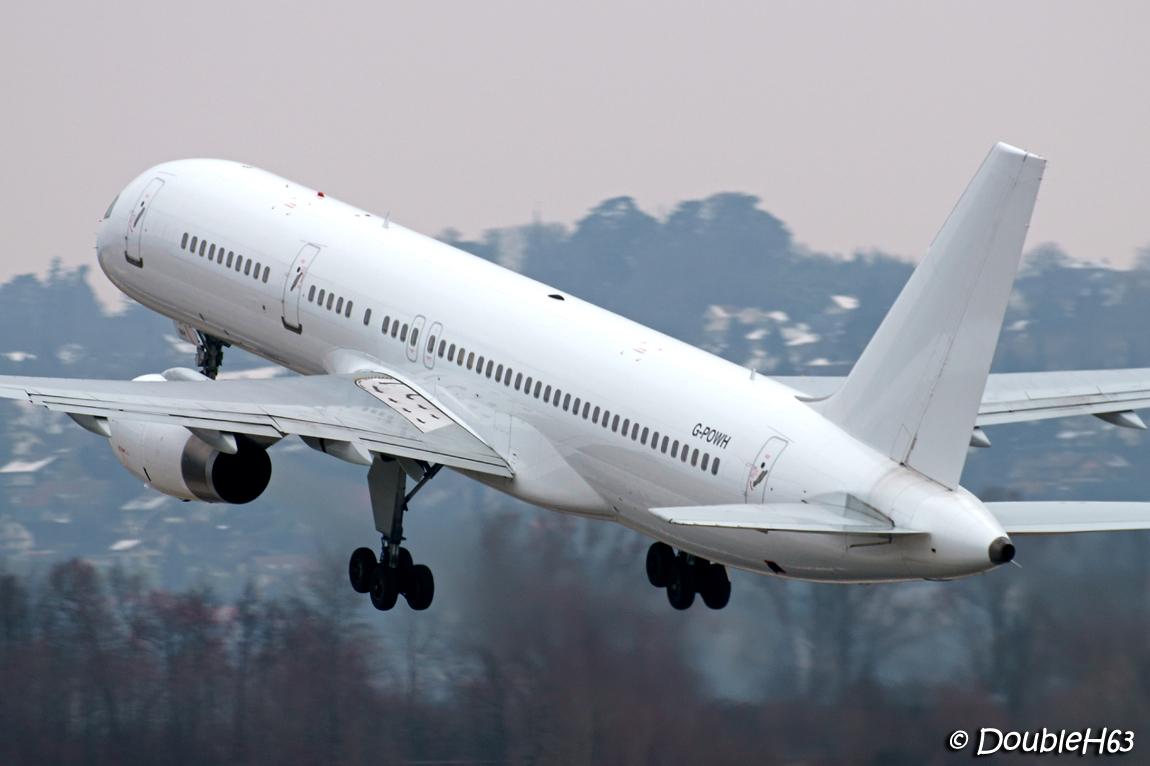 Aéroport de Chambéry Savoie [LFLB-CMF] 15927500794_9d7a260156_o