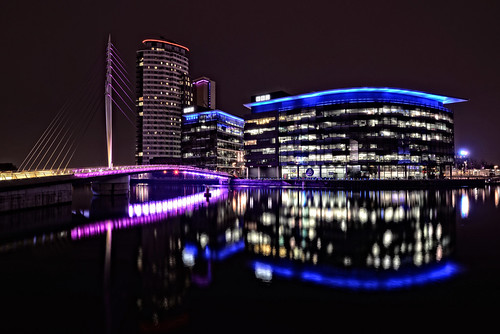 longexposure blue white black yellow reflections nightlights colours purple salfordquays bbc modernarchitecture swingbridge pedestrianfootbridge mediacityuk