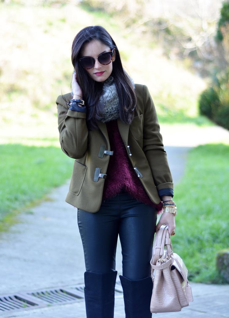 Zara_ootd_verde oliva_botas_altas_burdeos_chicwish_outfit_08
