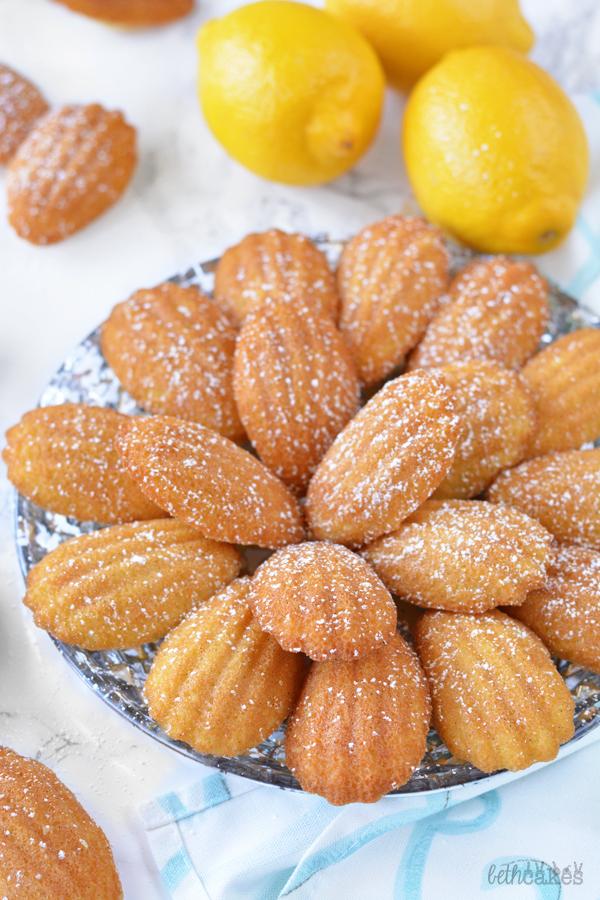 Classic French Madeleines - bethcakes.com