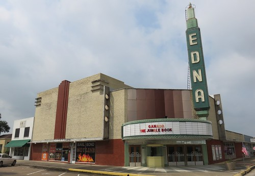 texas tx theaters roadsideamerica edna easttexas jacksoncounty