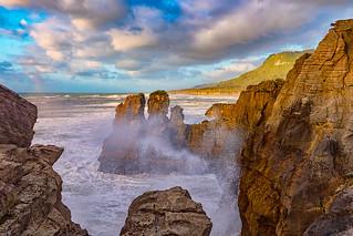 Crashing Wave at the Pancake Rocks
