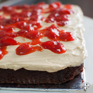 """spread filling and spoon strawberry """"jelly"""" generously all over"""
