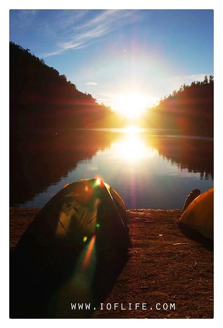 Sunrise tenda dan ranu kumbolo