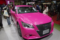 09_PINK_CROWN_front_right2