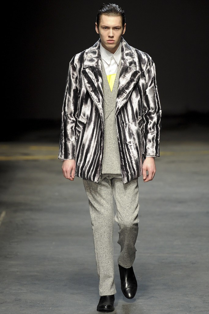 FW14 London MAN-Alan Taylor004_Sebastian Ahman(VOGUE)