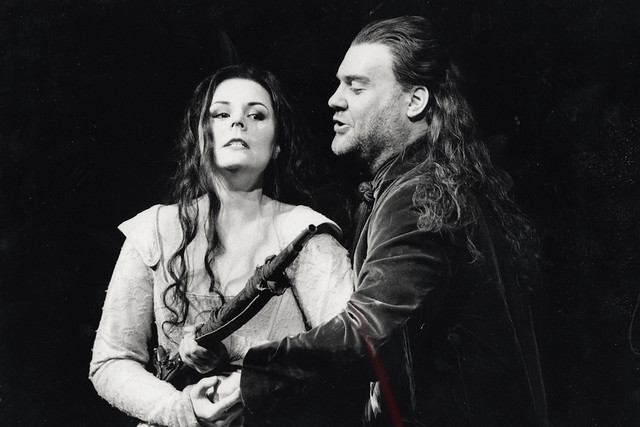 Bryn Terfel as Don Giovanni and Melanie Diener as Donna Elvira in Don Giovanni © Catherine Ashmore 2002