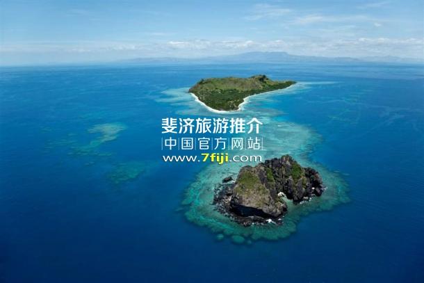 鸟瞰斐济沃莫岛度假酒店(Vomo Island Resort)全景