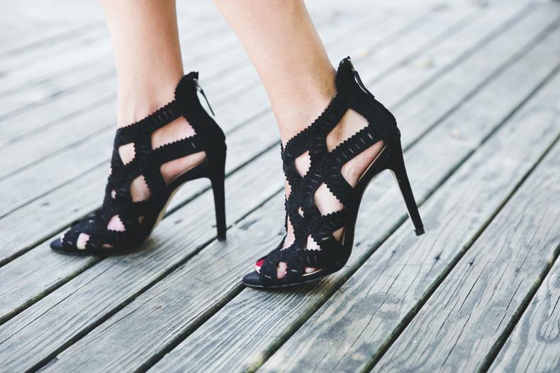 Levis_Vintage-Mango_Blouse-Leopard_Clutch-Clare_Vivier-Outfit-Street_Style-20