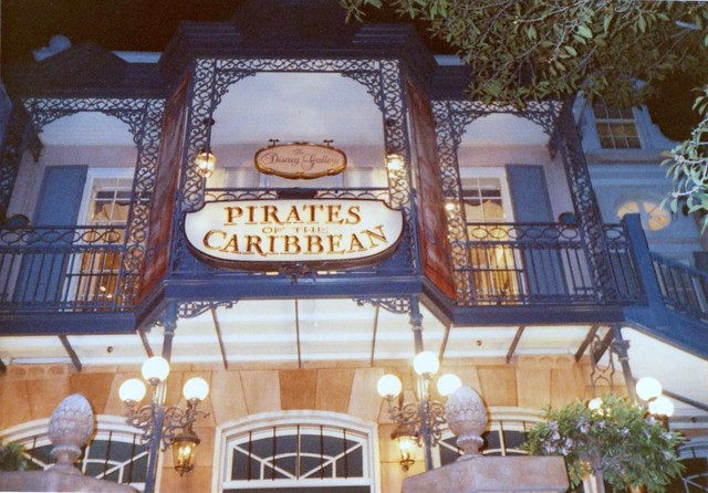 Disneyland in the 80's & 90's - Pirates of the Caribbean (2)