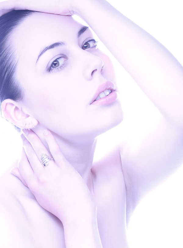 Gestalta photographed by Stefano Brunesci. High key, pure white beauty image