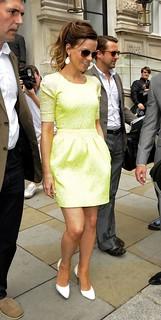 Kate Beckinsale White Pumps Celebrity Style Women's Fashion