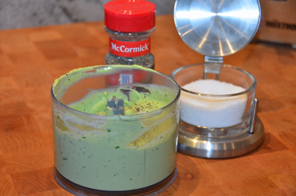 Creamy Avocado and Basil Sauce