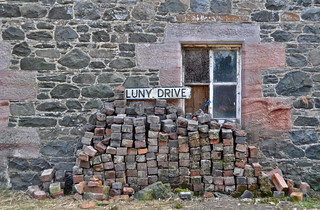 Luny Drive