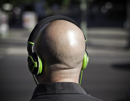 Bald, Headphone