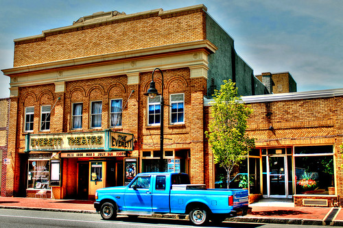 usa de mainstreet pickuptruck americana delaware middletown cityview efs1855 smalltownamerica canoneos1100d