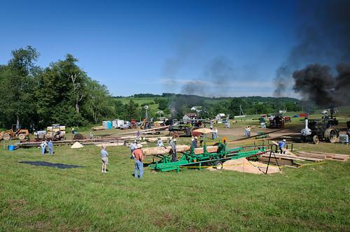 tractor mill charm steam steamshow holmescounty charmohio millsaw tractorshowscharm