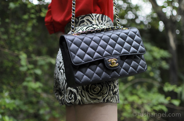 chanel-medium-flap-bag