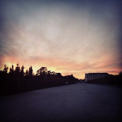 #schönbrunn #schlosspark #empty #sunset #evening #sky #trees #vienna #austria