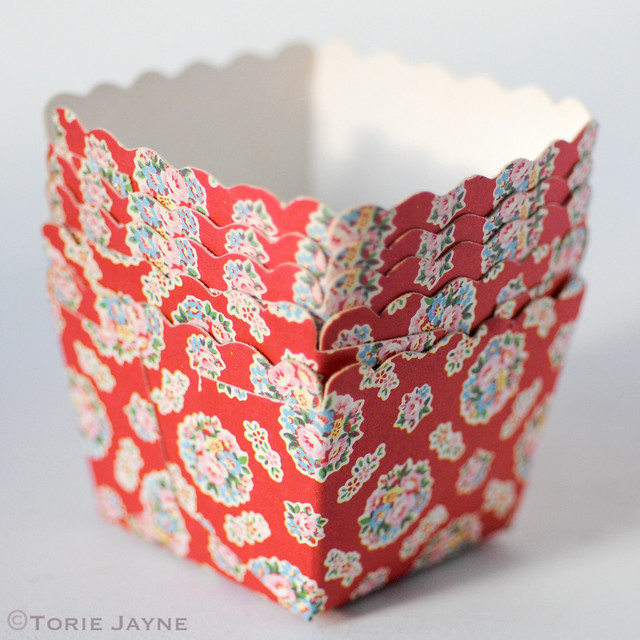 Red floral print baking cups
