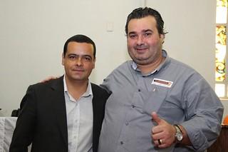 Vereador Flávio Vigilante, representante do SOlidariedade no Legislativo de Rio Grande, ao lado de Cláudio Janta