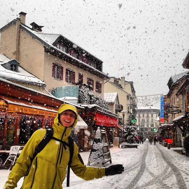 Heavy snowing in #chamonix