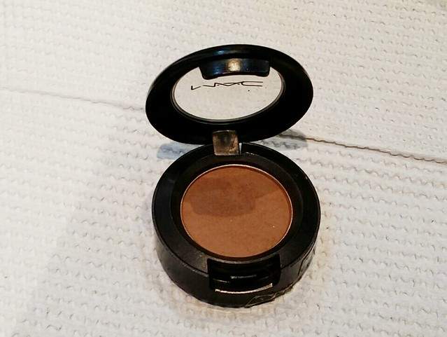 mac-must-have-eye-shadow