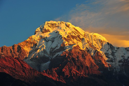 nepal sunrise trekking day himalaya annapurna dhaulagiri ghanarung pwpartlycloudy