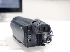 digital camera(0.0), camera lens(0.0), cameras & optics(1.0), camera(1.0), multimedia(1.0), video camera(1.0),