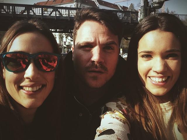 selfie Dani Martín, Alba y Belén después del rodaje de Perdiendo el Norte