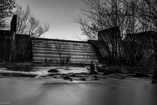 Lake Raleigh Dam