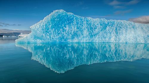blue reflection reflections greenland iceberg blau spiegelung eisberg grönland narsarsuaq spiegelungen groenland d700 kujalleq