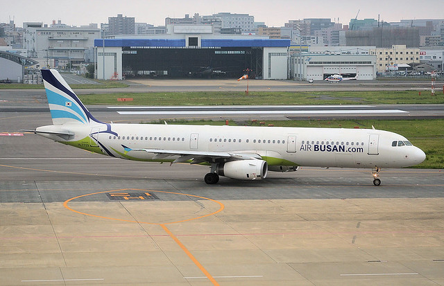 HL7729 A321 Air Busan (Fukuoka 7-5-2016)