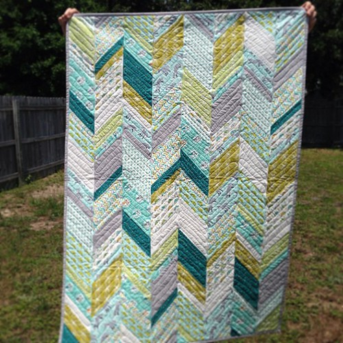 Finished! #lesamis #scoutquilt Up on the blog today :)