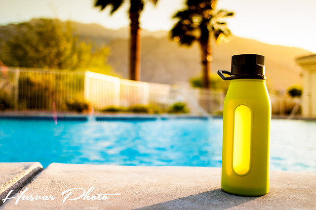 takeya glass water bottle review in_the_know_mom husvar_photo