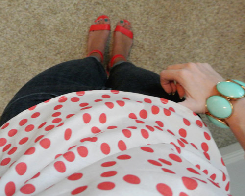 Outfit: polka dots + red + mint