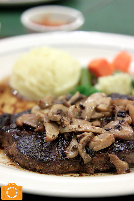 Mama Lou's Marbled Rib Eye Steak