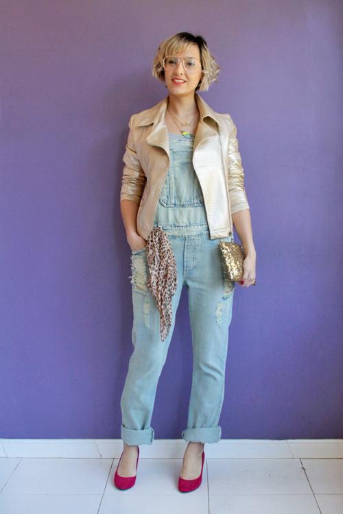 Look do dia jardineira jeans paet s e jaqueta dourada for Jardineira jeans c a