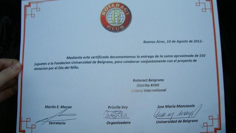 Rotaract Donacion Dia del Niño 2012 3