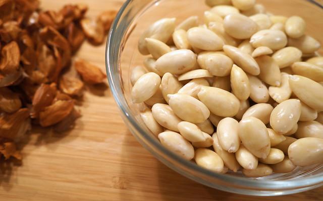 skinned almonds