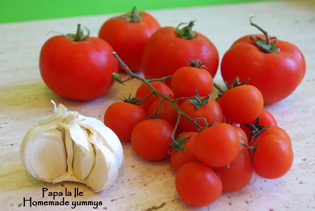 Paste proaspete cu rosii usturoi si busuioc (3)