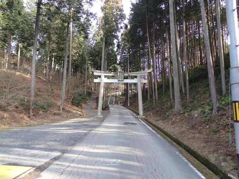 猿丸神社 一ノ鳥居(1)