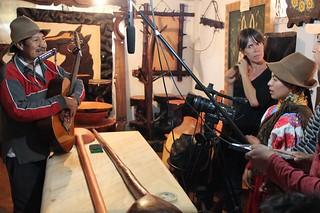 Grabando música original de la Comuna Zuleta