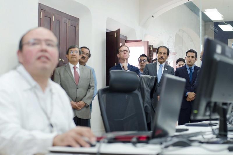 Mar, 06/28/2016 - 10:57 - El alcalde Luis Banck Serrato visitó el Laboratorio de Análisis Socioterritorial de la BUAP