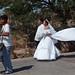 Wedding  Parade - Boda en Juchitán de Zaragoza, Región Istmo, Oaxaca, Mexico por Lon&Queta