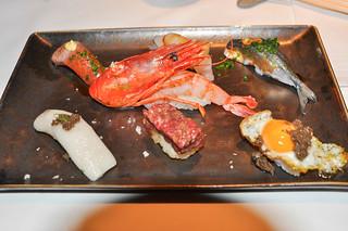 Nigiri de Gamba roja, pez mantequilla con trufa, huevo de codorniz, sardina y toro